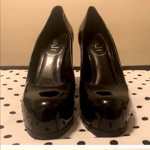 Authentic YSL Paris Yves Saint Laurent Pumps.